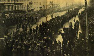 Похороны жертв революции 23-го марта. Процессия на Невском проспекте
